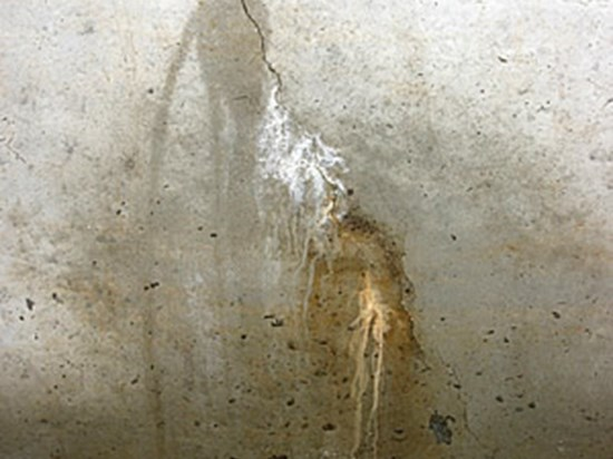ottawa-wet-basement-foundation-crack