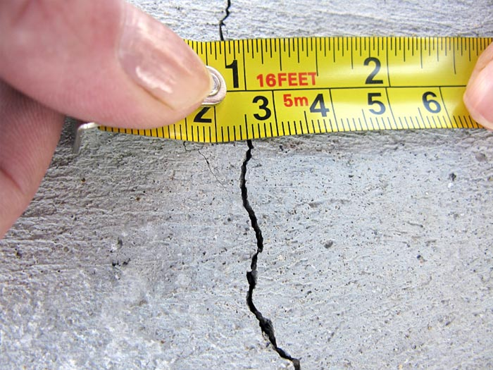 Ottawa foundation crack repair since 2002 24hour onsite for Poured concrete foundation cracks