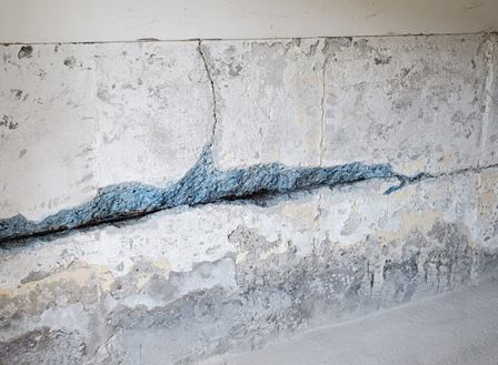 horizontal-foundation-crack