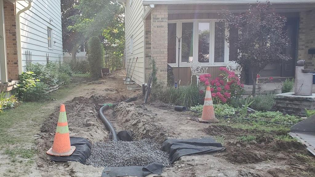 eves trough -drain